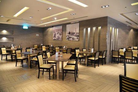 Al Modeef International Restau.. in Madinah