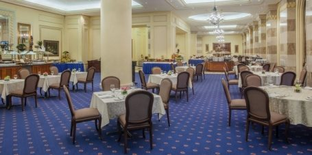 Rothana Restaurant - Dar Al Im.. in Madinah