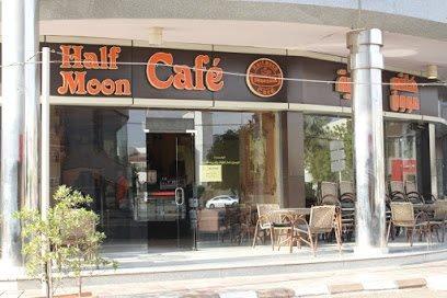 Half Moon Cafe - Badaah in Madinah